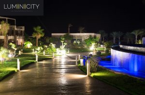 GARDEN AND COLOURFUL FONTEIN LIGHTING